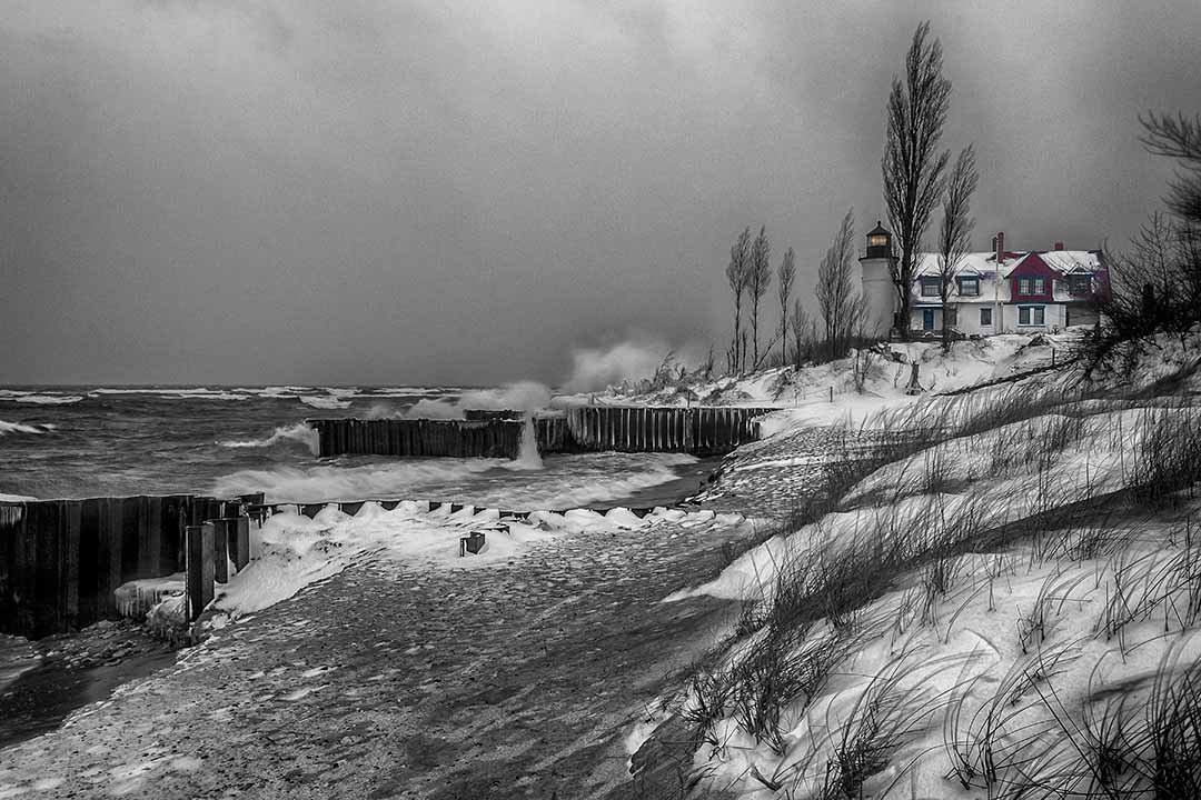 Winter-Storm-At-Point-Betsie-South-Side