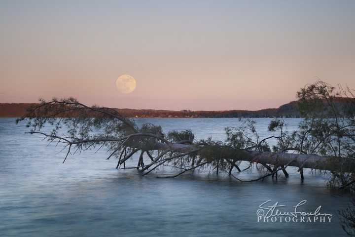 CL123-Crystal-Lake-May-Moonrise-2011.jpg