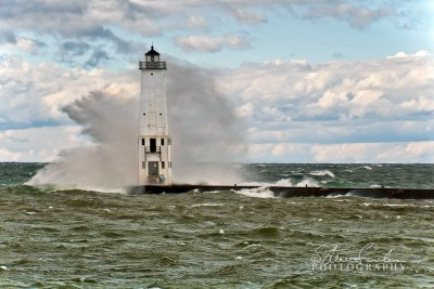 FkLt098Frankfort-Light-Big-Wave-2.jpg