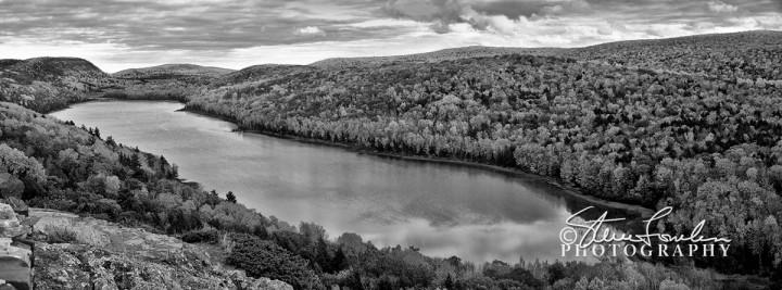MSC124-Lake-Of-The-Clouds-1-Grey1.jpg