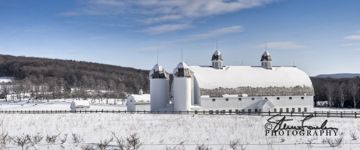 MSC167-DH-Day-Barn-In-Winter-1.jpg