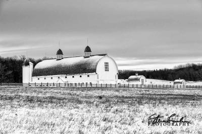MSC219-D-H-Day-Barn-In-Winter-2.jpg