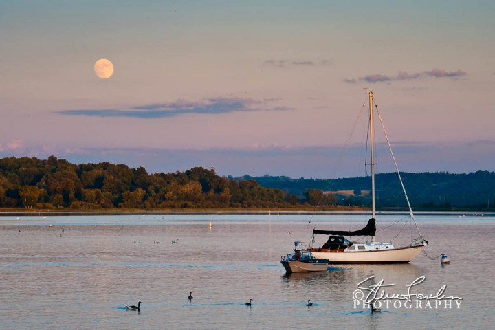 SUN072-Betsie-Bay-Moonrise.jpg