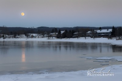 SUN122-December-Moonrise-Over-Beulah-1.jpg