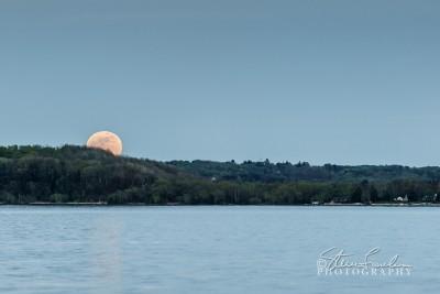 Sun109-Super-Moonrise-May-2012.jpg